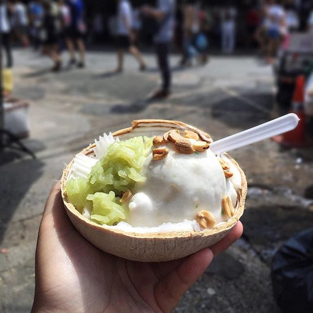 A trip to Chatuchak market isn't complete without having this coconut ice cream, 40 baht.