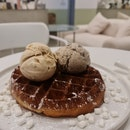 Waffles with Yakult Oreo & Salted Speculoos