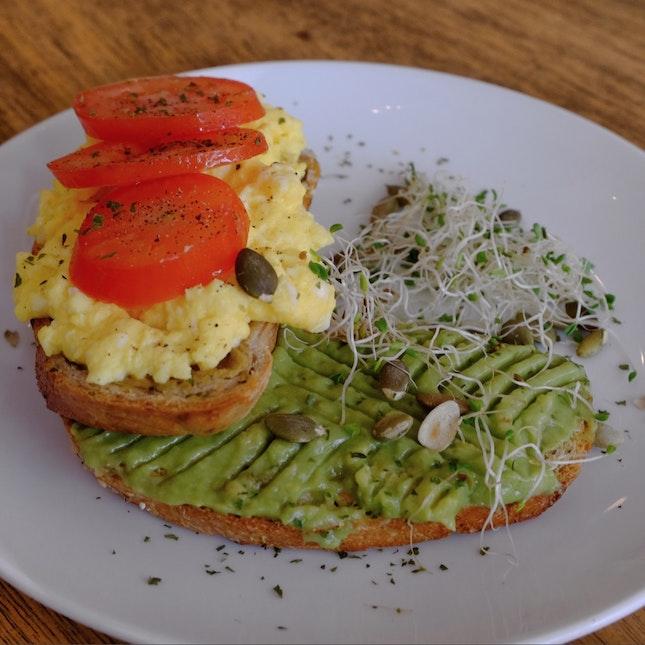 Guac & Eggs