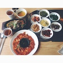 Lunch for today 😝#potd #instafood #igers #foodporn #lunch #weekend #korean #bulgogi #kimchipancake