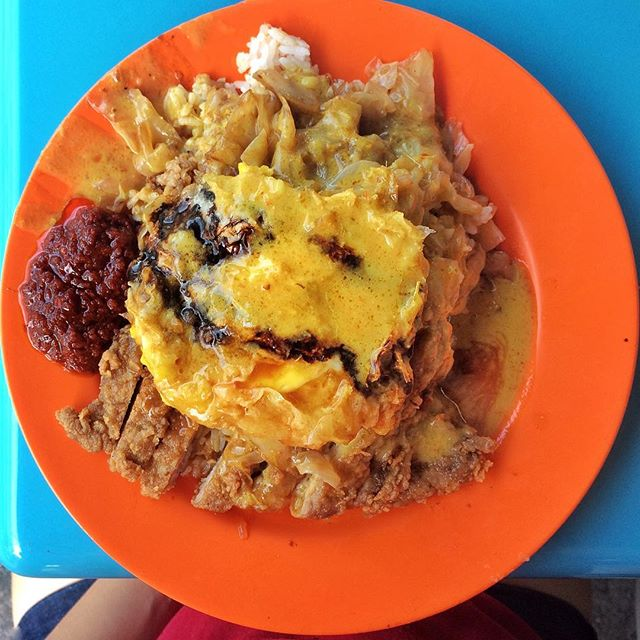 Kinda miss this glorious mess with the crunchy pork chop and soft cabbage.