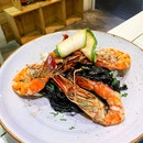 Tagliatelle Al Nero con Gamberi e Zucchine ($27++)