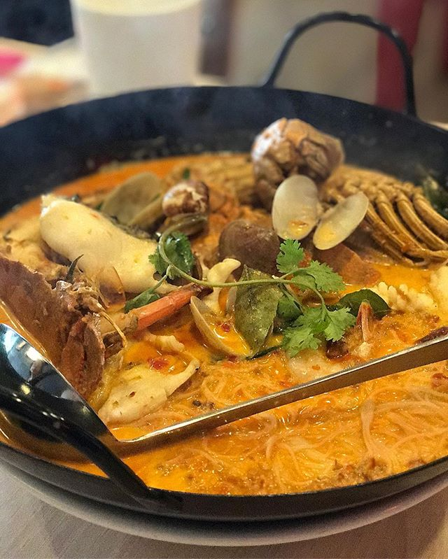 All in combo curry beehoon - using evaporated milk instead of coconut milk.