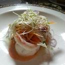 Poached king prawns salad Catalana style