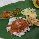 There's a new Banana Leaf Rice place in Bangsar called Raj's Banana Leaf.