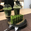 Matcha Latte & Cake