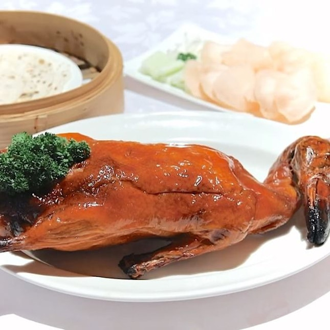 Hai Tien Lo (海天楼) at Pan Pacific Singapore has always been known for its Cantonese delicacies and quality dim sum.