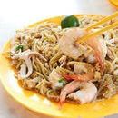 Geylang Lorong 29 Charcoal Fried Hokkien Mee is offering islandwide delivery with a minimum order of $30, and delivery charge of $10.