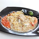 Xiao Di Fried Prawn Noodle is one of those Hokkien Mee stalls that can leave customers divided.