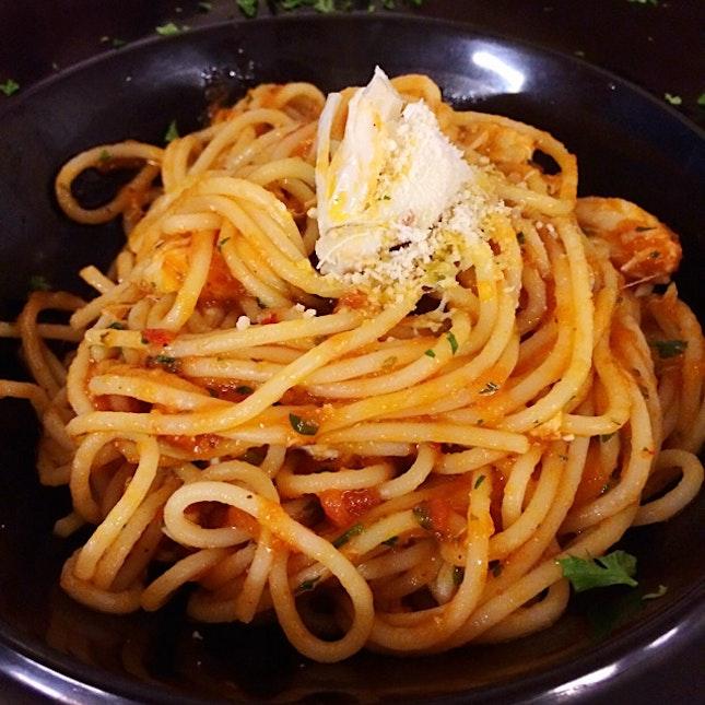 Spaghetti With Crabmeat, In Mild Spicy Tomato Sauce