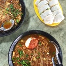 Mee Siam (2.50) And Popiah ($1.50)