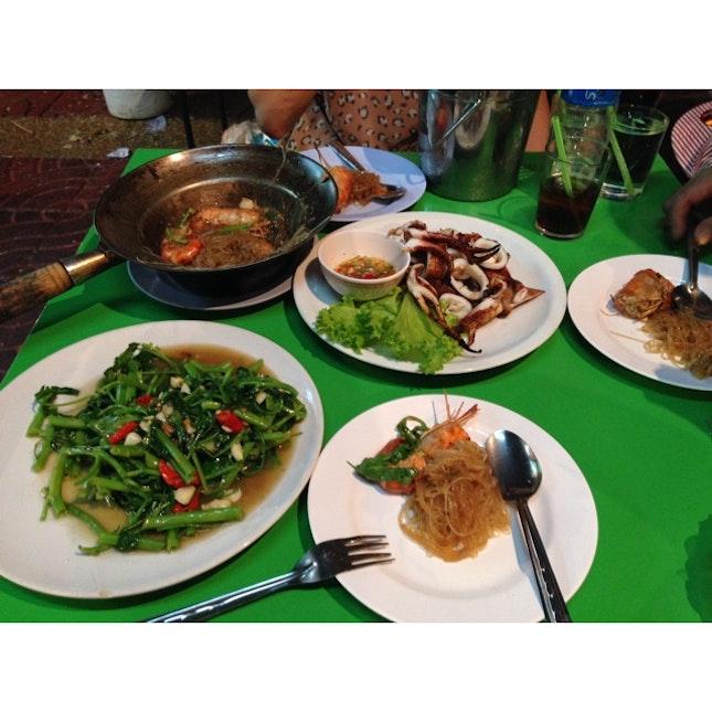 570 Baht For Road Side Stalls