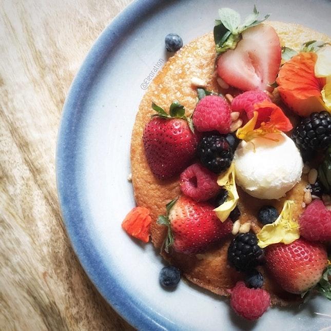 Berry Ricotta Hotcakes