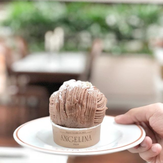 Beauty is power, a smile is its sword • 🍰: Mont Blanc - S$13.50++ 📍: @angelinasingapore Singapore