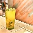 <🇩🇪> Unseres Leben zum erfrischen ist notwendig <🇬🇧> Refreshment in Life is inevitably a necessity • 🍹: Mango Calpis Sparkling Soda - S$5.90 📍: @comnamvietstreeteats , Singapore