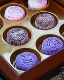 For this year's Mid-Autumn Festival, Peony Jade has launched a series of unique pastel-hued mini mooncakes that has been given a modern touch on the traditional classics.