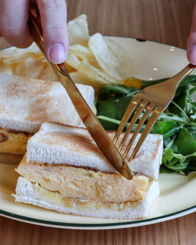 A new lifestyle cafe named Grids & Circles has just opened recently in the Chinatown area and one of their signatures, the Tamago Sando ($12), is what I'll recommend you get when there.