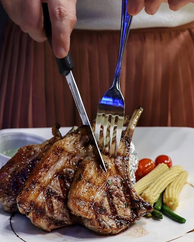 Earle Swensen's, the sister-arm of the Swensen's concept has revamped their menu and launched several items that involves using premium seafood and meats, prepared using the charbroiled cooking method.