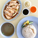 Chicken rice is one of our iconic Singapore dishes that is well loved by locals and tourists.