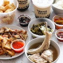 Despite the unbearable heat and humidity that we are experiencing at the moment, that is not going to stop us from having one of Singapore's iconic dishes, the peppery bak kut teh.