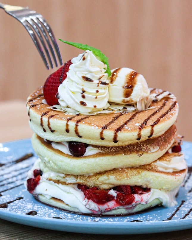 Something exciting is coming to Belle-Ville as from tomorrow onwards, they are launching their Autumn pancake creation that will only be available for a limited time only.