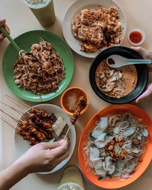 Anyone can recommend some good eats in the Bukit Timah Market & Food Centre?