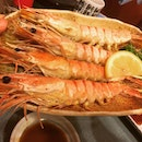 Craving for these juicy grilled prawns!