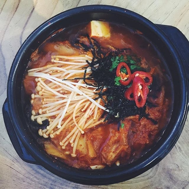 For #meatlessmonday we are slurping on this heat-inducing kimchi stew!