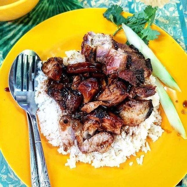 char siew & roasted pork rice 👍🏻 4.2.19 #foodporn #sgfoodporn #foodsg #sgfoodies #instafood #foodstagram #vscofood #burpple #hungrygowhere #hawkerfood #hawkercentre