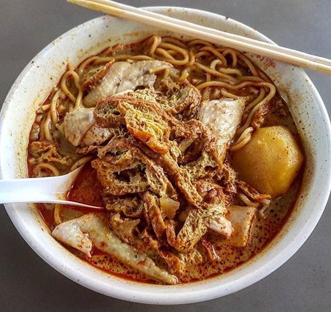 curry chicken noodles 👍🏻 19.4.19 #foodporn #sgfoodporn #foodsg #sgfoodies #instafood #foodstagram #vscofood #burpple #hungrygowhere #hawkerfood #hawkercentre