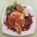 ayam penyet 👍🏻 20.7.19 #foodporn #sgfoodporn #foodsg #sgfoodies #instafood #foodstagram #vscofood #burpple #hungrygowhere #hawkerfood #hawkercentre