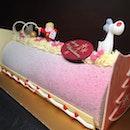 Merry Berry Log Cake