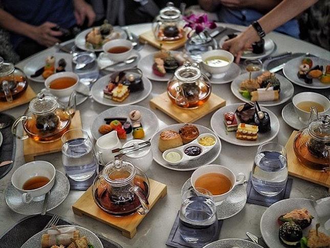 High Tea 🍰🥃