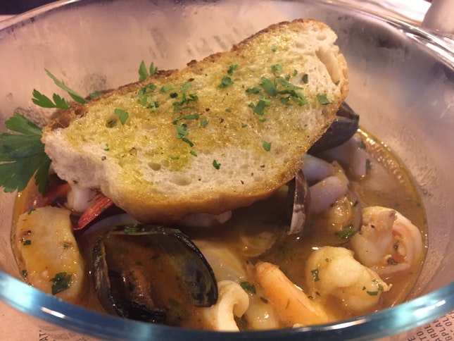 Seafood Guazetto, Garlic Croutons