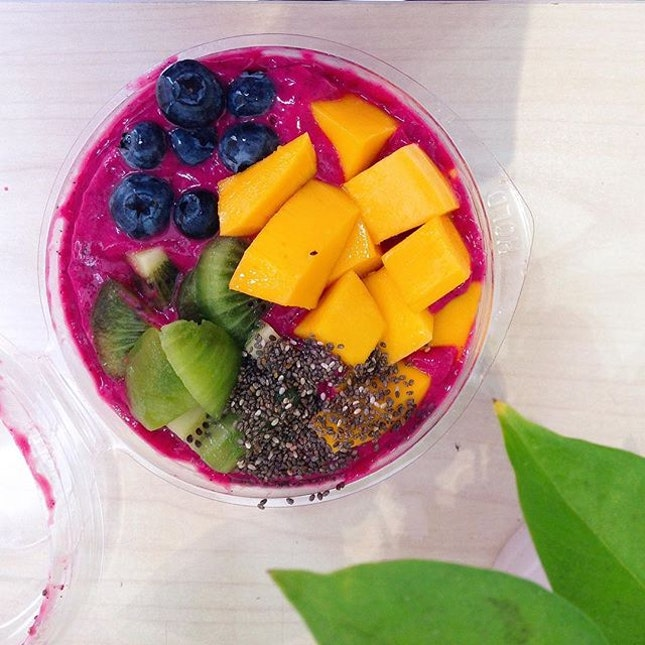 What better way to cool off in this hot weather than a fresh smoothie bowl from Juicelab?