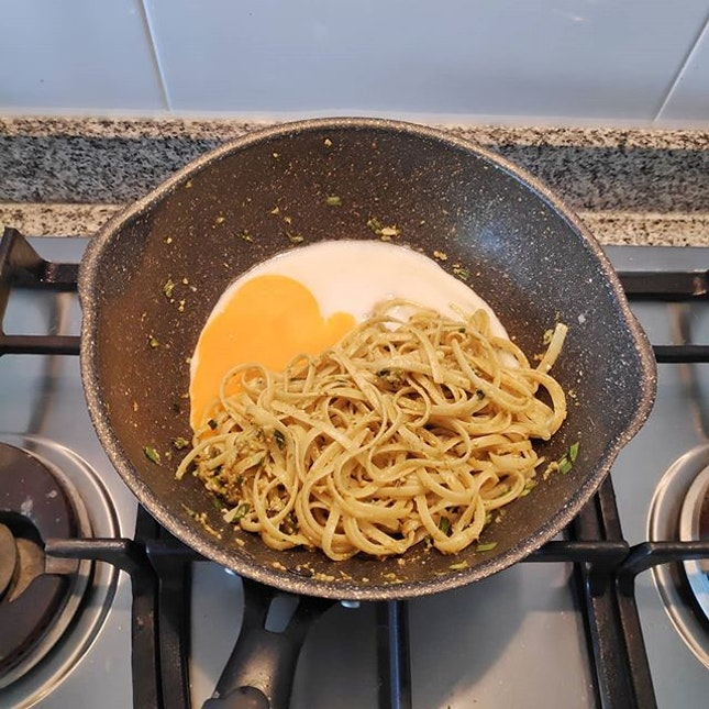 Lunch today: Pesto olio and fried egg 😆