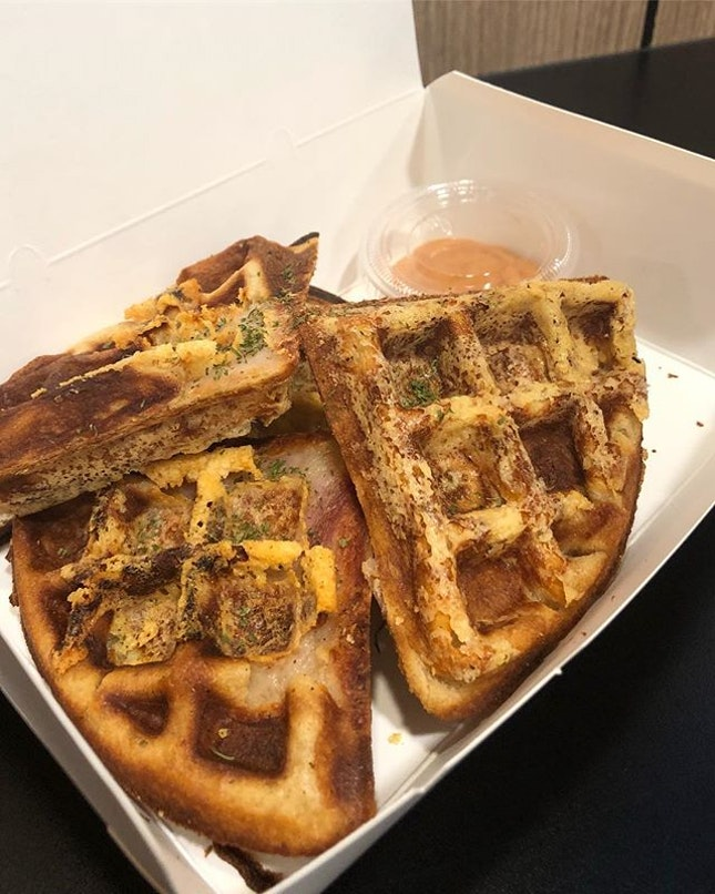 Ham & cheese waffle for $6.80 (20%off with PayLah!) !!!!