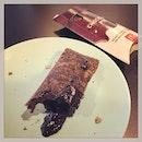 #thenewhit that #everyone #raveaboutit #chocolateycrust #oozing w/ #moltenchocolate #goodness 🍫 #mcdonalds #chocolatepie #takemymoneyaway #chocolateindulgence #checkout the #latesttrends #whatwedoatwork #marketintelligence #instafood #instadessert #foodporn #foodlover #burpple #mcdonaldschocolatepie #mcdonaldssg #felzfooddiary