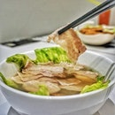 Taking things to the next level is the Shabu Shabu Pork, made using organic pork slices, immersed in Bak Kut Teh broth.