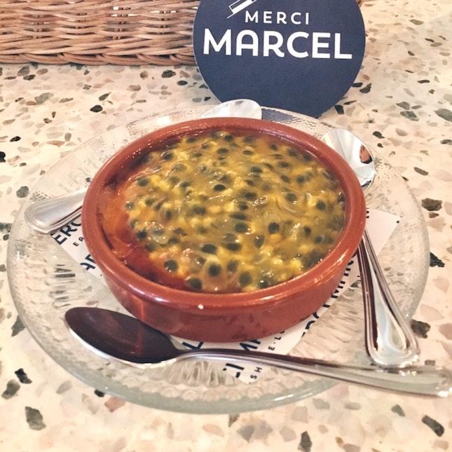 Passionfruit Creme Brûlée