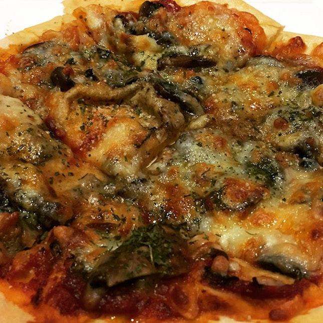 Mushroom Truffle Pizza and Sweet Potato Fries @ ButterNut, Taman Jurong Market & Food Centre.