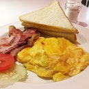 Scrambled Egg & Bacon Served With Butter Toast @ Han's, 50 Jurong Gateway Road, Jem #B1-03.