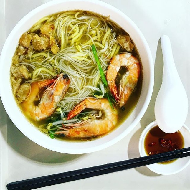 Traditional Pork Ribs Prawn Noodle.