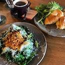 Croissant Sandwich & Stir-Fried Kale