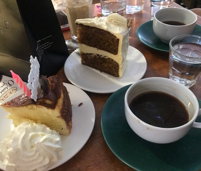 Burnt Cheesecake & Carrot Walnut Cake