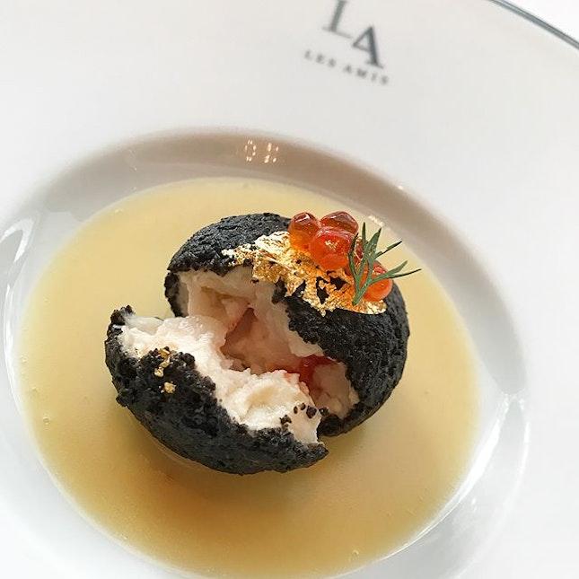 Lobster mousse encased in black truffle served with classic fish bone sauce 🌟 @lesamisrestaurant #frenchcuisine #finedining  #corainsingapore swipe for more pics 📲 .