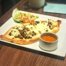 Chef's Pide ($13.90++)