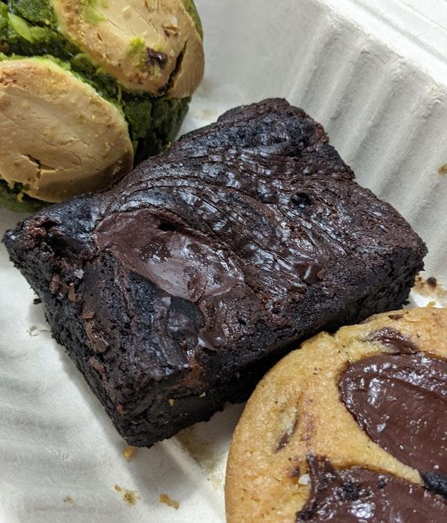 Gluten free Valrhona 70% brownie ($4.50)