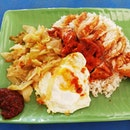 Had this Chinese nasi lemak from the same hawker Centre which houses boon lay power nasi lemak !
