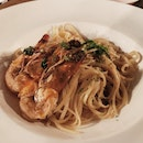 Garlic Basil Prawn Linguine ($23)